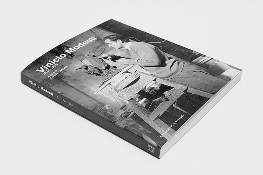 Monografia, Vinicio Modesti
