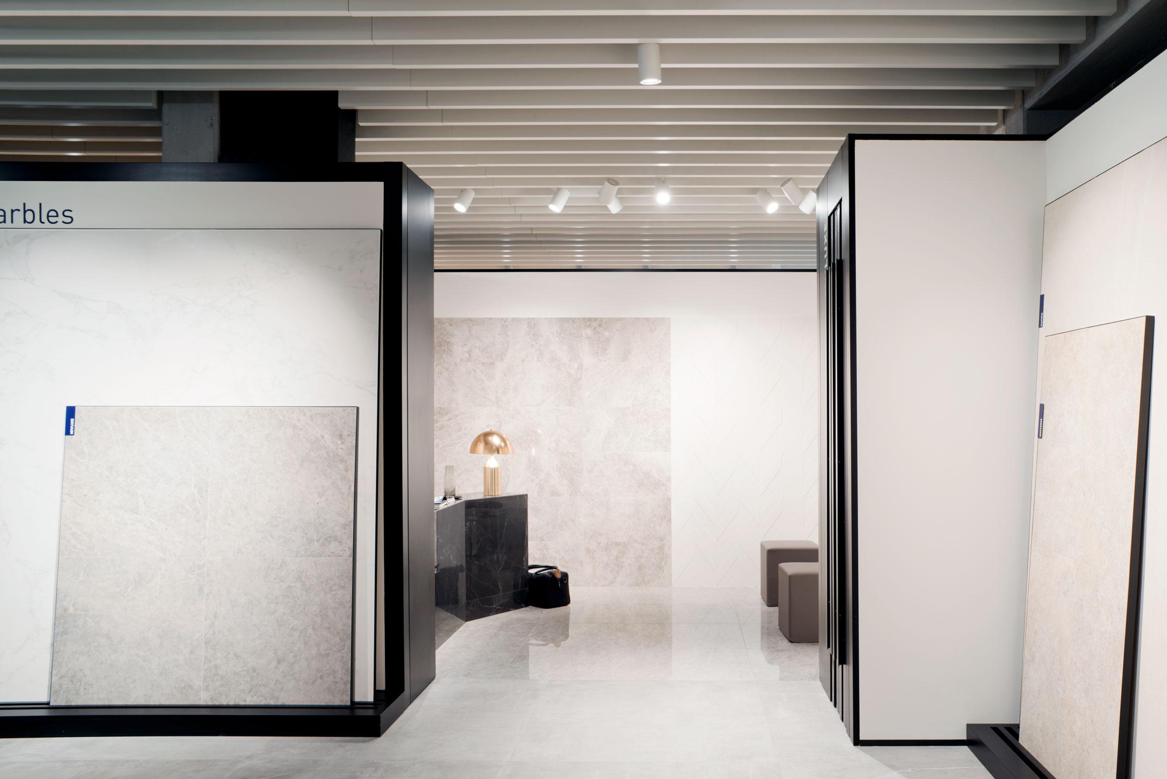 Marca Corona, showroom, sala mostra, interior design, sassuolo, firenze, deferrari modesti